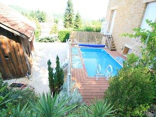 Villa Sarana est une maison proche de La Roque Saint-Christophe et de la vézère