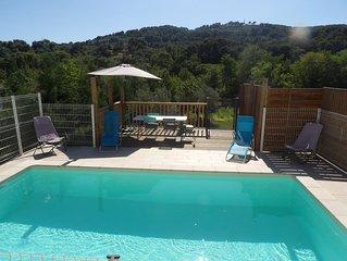 Superbe Villa avec Piscine a Nyons