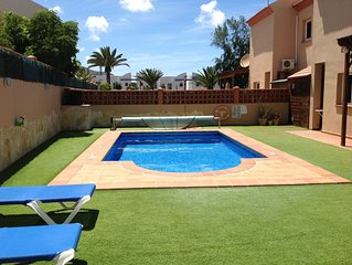 Stunning 3 Bedroom, luxury villa, private pool, WIFI, TV, walk to beaches & bars