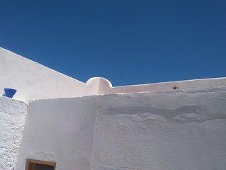 Maison tradition dans petit village typique à 5 mn des plages