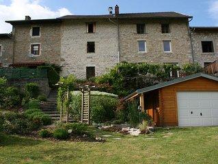 Maison de charme dans village de la vallee de  l'Ain