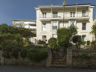 Luxury holiday home in the heart of Fowey, stunning views close to town & beach