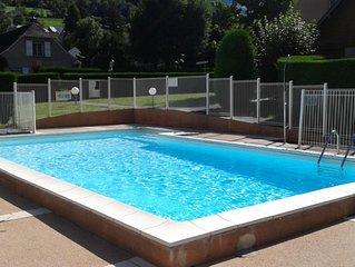 Appartement dans residence avec piscine, proche toutes commodites
