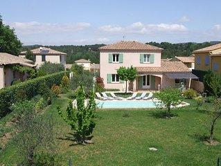 Villa dans quartier résidentiel très calme avec piscine sécurisée