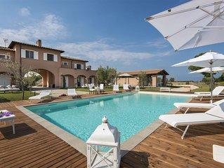 Villa a Marina Velca con 11 camere da letto e 24 posti letto