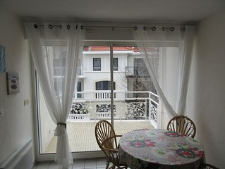 Appartement dans résidence centre ville, la plage centrale est à - 200m