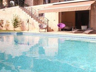 Appartement avec piscine privee et jardin dans villa provencale