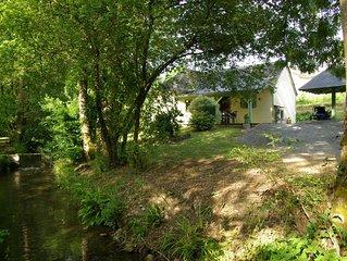 Le Moulin d'Eysus : Le chalet du Bief***. 5 à 7 couchages. 2 chambres