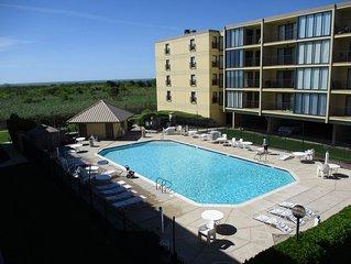 Beach Front Resort, Oceanview, Heated Pool, Special June rate