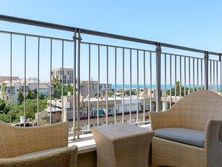 Neve Tzedek Sea-View Balcony & Parking