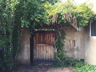 Quiet, Private & Comfortable Adobe Casita in W. Guadalupe Historic District