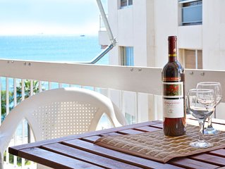 Luxury at its Best Beach Condo in Palaio Faliro for up to 6 people