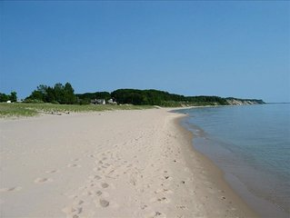Private Lake Michigan Beach! Breathtaking Sunsets! Fantastic Family Fun!