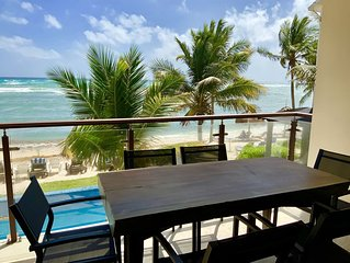 Brand New Beachfront 2 BR Condo, POOL, Wifi, AC (Akumal)