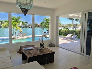 Beautiful Oceanfront contemporary 4bdrm+4bath Villa on private island