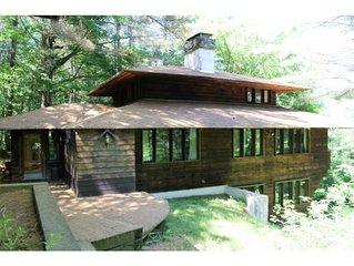 'Whispering Pines' Ski House in the heart of the Green Mountains - 5 bedrooms!
