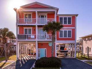 All Inn - Canal Front w/ Ocean Views 4 bedrooms / 3.5 baths - Steps to Beach