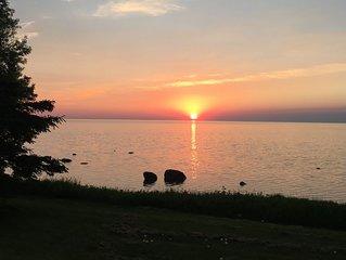 Grand Beach Lakefront Cabin