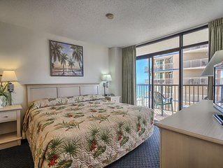 Beautiful 2 Bedroom Ocean View Condo + Official On-Site Rental Privileges