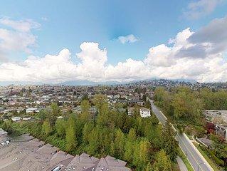 Modern & Spacious High-Rise Apartment near Transit with mountain view