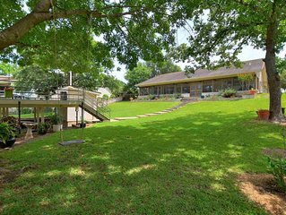 Quiet Lakefront Home in the Heart of Horseshoe Bay