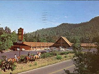 STUDIO~ KOHLS RANCH LODGE~ MOUNTAIN VIEWS~ BAR/LOUNGE~ RESTAURANT~ POOL~ HOT TUB