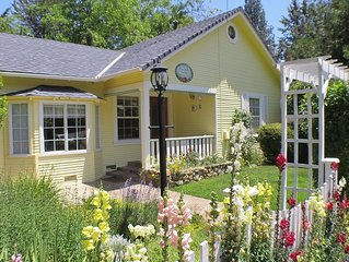 Adorable Cottage Near Downtown- Little Yellow