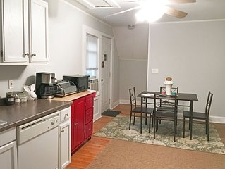 Cottage on Cove - Private Apartment near Lake Erie & Downtown