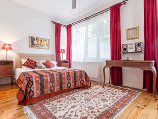Sultanahmet Garden Apartment with Close View of Blue Mosque