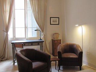 In the very HEART of old town, a serene and sophisticated Provencal appartement