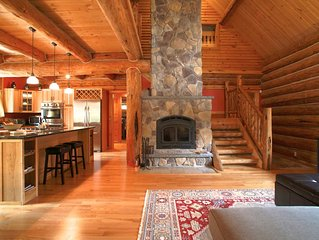 Stunning pine lodge, private & family friendly
