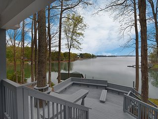 Lakefront Home in quiet cove with big fun access