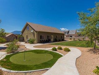 Spacious home, nice yard, sleeps 9! Near Zion National Park & St. George, UT