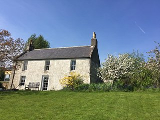Glencommon is a quintessential basic farm cottage overlooking the Dee valley.
