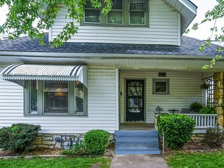 Central location Plaza Area 2 story Home Sleeps 10 3+ bedrooms 2 full baths