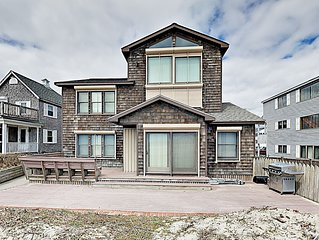 Ocean Front!! Beautifully furnished 5 BR magnificent house steps away from sand.
