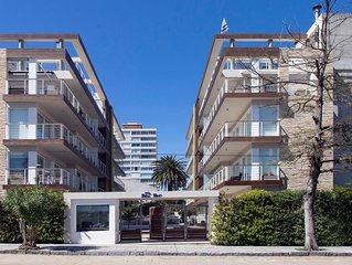 2 Bedroom Apartment with amenities near beaches, shopping and dining
