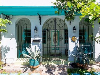 Spacious Miami Art Deco Townhome Central To Everything! Huge BR's and Hot Tub!