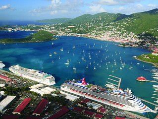 Carribean Gem, Swim up bar, restaurants, shopping