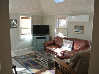 Charming Cottage near the Beaches in Historic Wakefield, RI