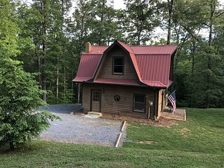 NEW Rental! Quiet and cozy on 5 acres w/ a hot tub!