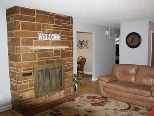 Super Comfortable Home in the Heart of Speedway!!