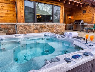 Beautiful home in Jackson with gorgeous Teton Views, Hot Tub, Fire Pit