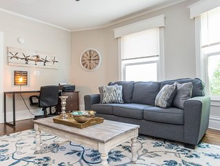 2 Bedroom ★ King Bed ★ Near Great Lakes Naval Base