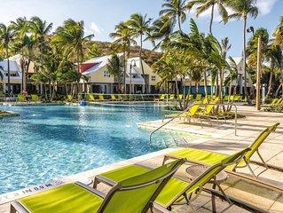 Beautiful Margaritaville- Beach Side Resort + Amenities + comfy suites!