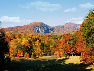 ★Mountain Lake Golf Course Family Resort★ Sleeps 8 - Kayak Included with Rental