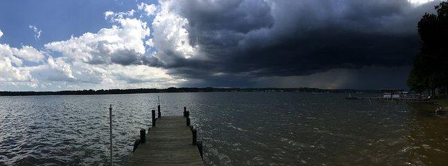 Titta på sommarstormens ankomst