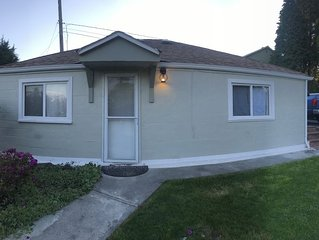 Everett - Cozy, Quiet 2 Bedroom House Close 2 Everything