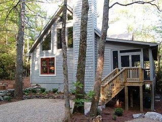 Special Offer Creekside Highlands Cabin: Mountian View and Hot Tub.