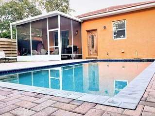 Gulf Coast Villa-Hansen- Gorgeous Villa with heated private pool near Siesta Key